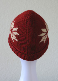 Holiday_Beanie_Red_Black